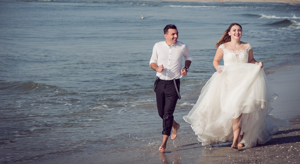 trash the dress at the beach
